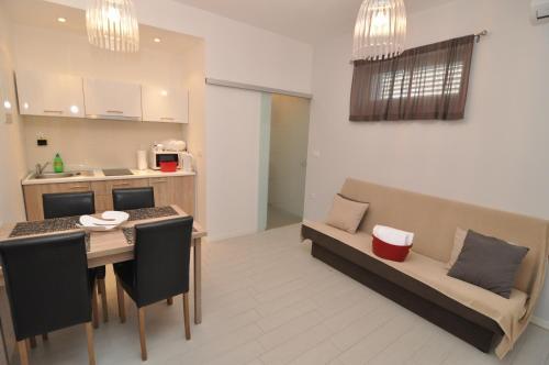 Anita City Apartments and Rooms