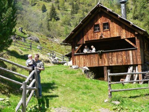 Bio-Bauernhof Auernig - Apartment mit 1 Schlafzimmer und einem Balkon (5 Erwachsene)