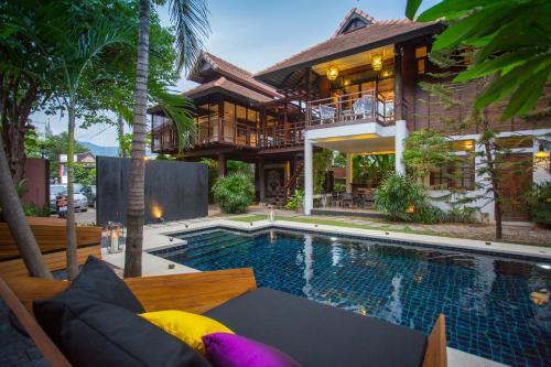 X2 Chiang Mai North Gate Villa front view