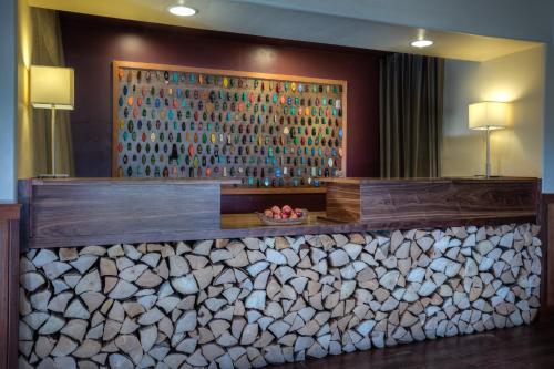 The Redwood Riverwalk Hotel