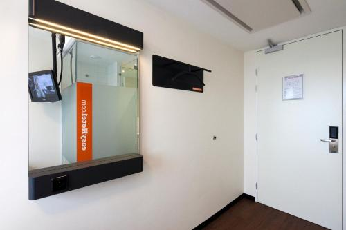 easyHotel Amsterdam City Centre South photo 31
