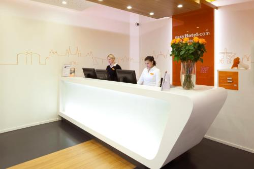 easyHotel Amsterdam City Centre South photo 125