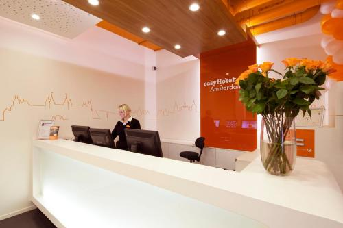 easyHotel Amsterdam City Centre South photo 54