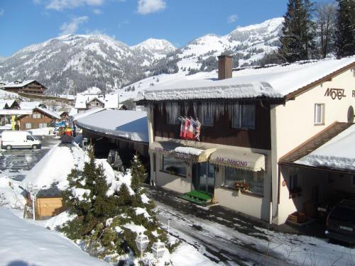 Vista Resort Hostel