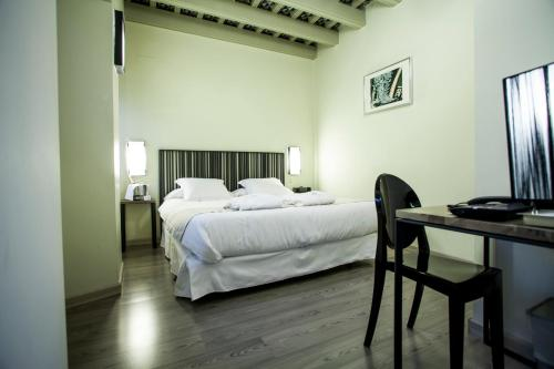 Economy Double Room - single occupancy Hotel Boutique Casas de Santa Cruz 1