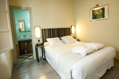 Double Room - single occupancy Hotel Boutique Casas de Santa Cruz 12