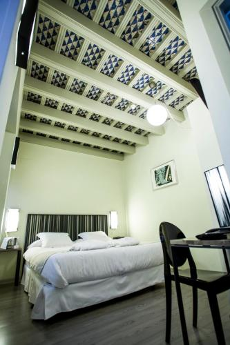 Economy Double Room - single occupancy Hotel Boutique Casas de Santa Cruz 6
