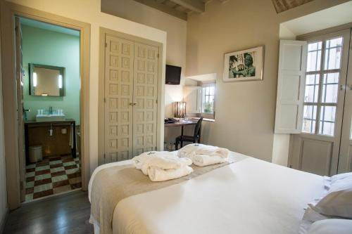 Double Room - single occupancy Hotel Boutique Casas de Santa Cruz 3