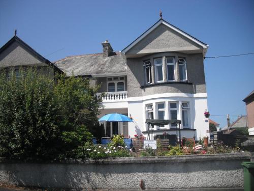 Karmary Guest House (B&B)