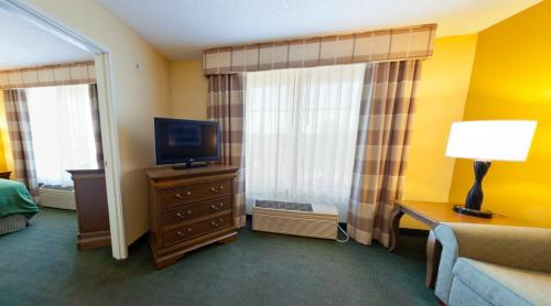 Best PayPal Hotel in ➦ Salina (KS): Econo Lodge Salina