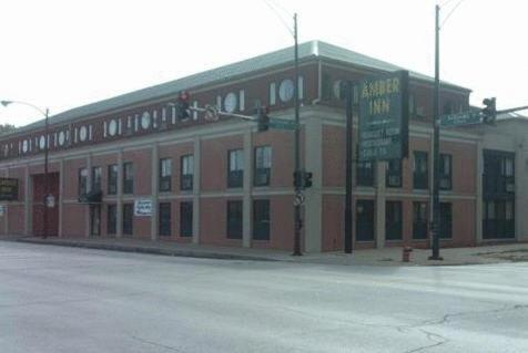 Photo of Amber Inn Chicago Hotel Bed and Breakfast Accommodation in Chicago Illinois