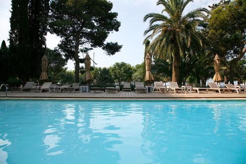 Hotel Trias