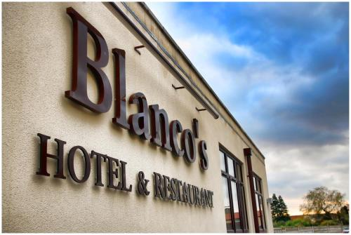 Blanco's Hotel front view