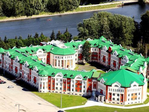 Stay at Hotel Park Krestovskiy