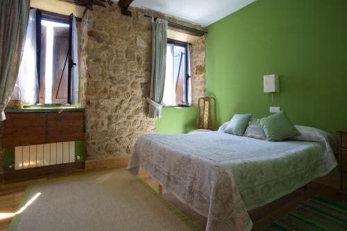 casa rural enkartada r servez en ligne bed breakfast europe. Black Bedroom Furniture Sets. Home Design Ideas