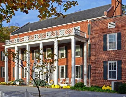 More About The Country Inn Of Berkeley Springs