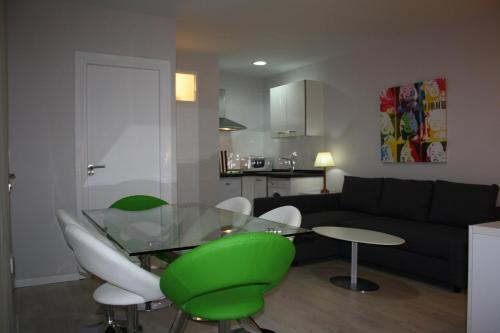 Apartament 2 Habitacions - Argote de Molina, 23 (Two-Bedroom Apartment - Argote de Molina, 23)