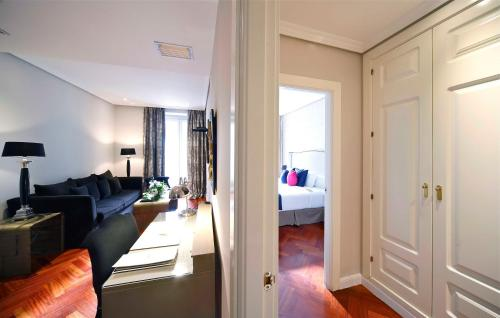 Luxury Suites photo 2