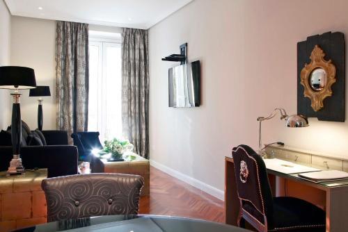 Luxury Suites photo 26