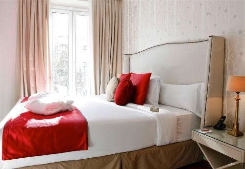 Luxury Suites photo 11