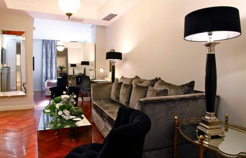 Luxury Suites photo 13