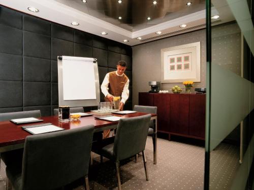 Best Western Premier Deira Hotel photo 2