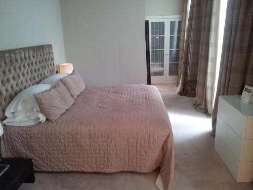 Habitación Doble Clásica - 1 o 2 camas - No reembolsable Castillo Del Bosque La Zoreda 2