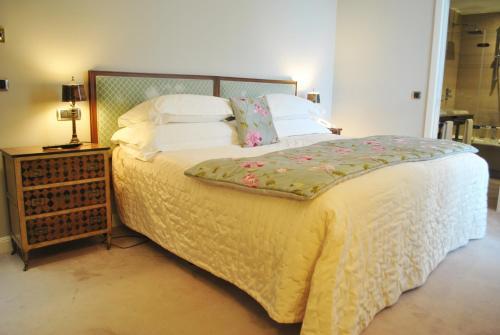 Habitación Doble Clásica - 1 o 2 camas - No reembolsable Castillo Del Bosque La Zoreda 3