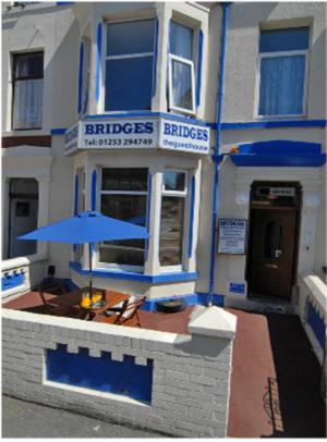Bridges Guesthouse
