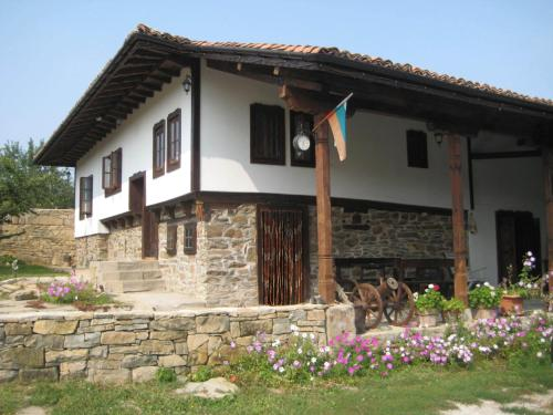 Beeva House