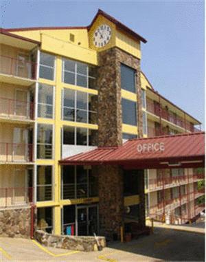 Photo of Ozark Mountain Inn Hotel Bed and Breakfast Accommodation in Branson Missouri