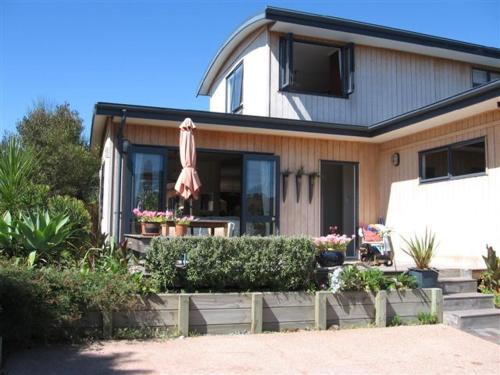 More about Kotuku Bed & Breakfast