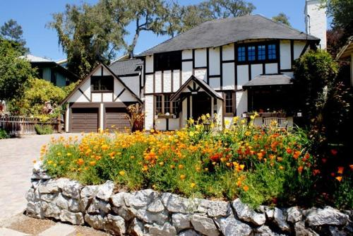 Tudor Rose Manor Santa Cruz