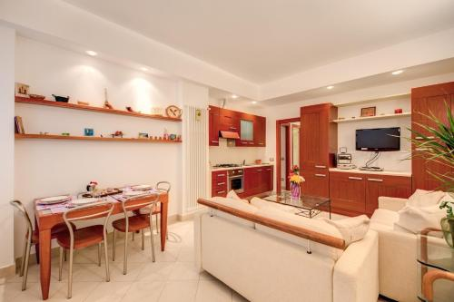 Apartment la casa dei sogni di serena rome lazio italy for Costruire casa dei sogni online