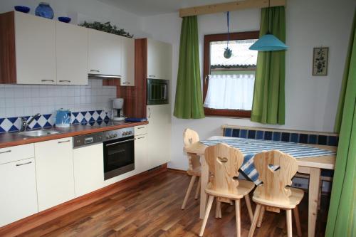 Gästehaus Sieder - Apartment mit 2 Schlafzimmern mit Balkon