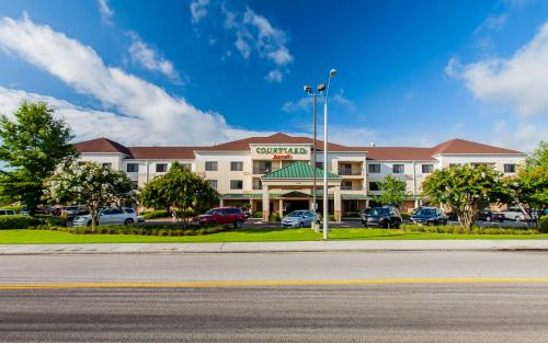 Courtyard By Marriott Florence, Florence, SC, United ...