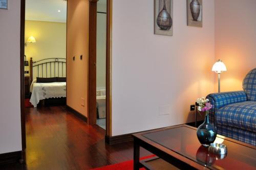 Habitación Triple con vistas Hotel Puerta Del Oriente 6