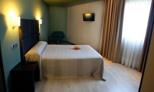 Habitación Triple - No reembolsable Hotel Torre de Núñez 6