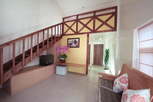 Ying Shih Guest House