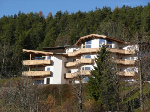 Residenz Berghof Mösern - Superior Apartment mit 2 Schlafzimmern und Balkon
