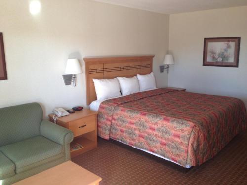 Best PayPal Hotel in ➦ Desoto (TX): Clarion Hotel Desoto