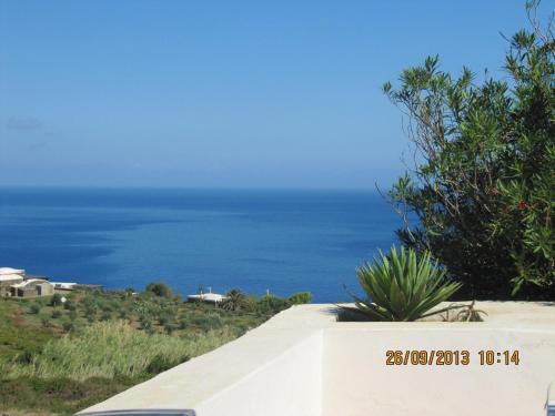 I Dammusi di Punta Karace front view