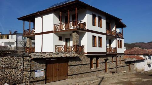 Chetrafilova Guest House