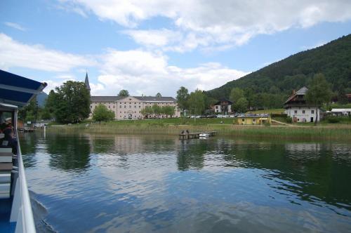 Gasthof Pension Schlosswirt - Familienzimmer mit Seeblick
