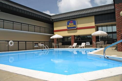 Photo of Best Western Center Inn Hotel Bed and Breakfast Accommodation in Virginia Beach Virginia