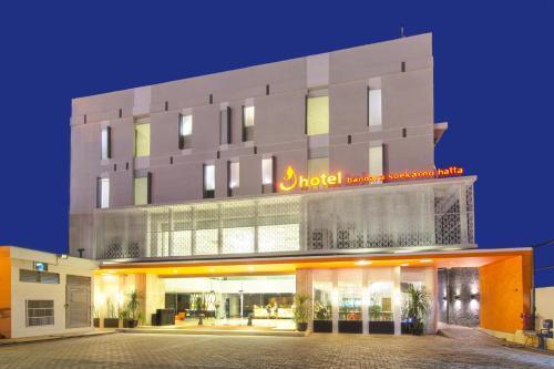 J Hotel - Bandara Soekarno Hatta front view