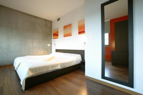 guest accommodation olivarius apart hotel lille villeneuve d 39 ascq villeneuve d 39 ascq nord. Black Bedroom Furniture Sets. Home Design Ideas