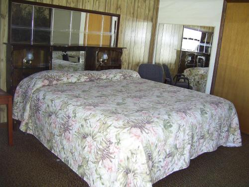 Cedar Grove Motel, Altoona, PA, United States Overview | priceline.com
