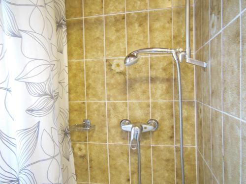 Apartament de Tres Habitacions amb Balcó (Three-Bedroom Apartment with Balcony)
