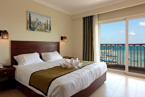 Special Offer - Double or Twin Room with Partial Sea View - Egyptians and Residents Only